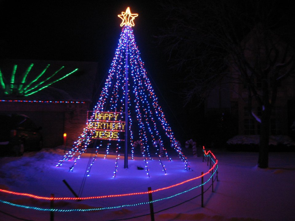 red_blue_mega_tree